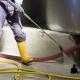 Hidrojateamento industrial não danifica superfícies nem tubulações